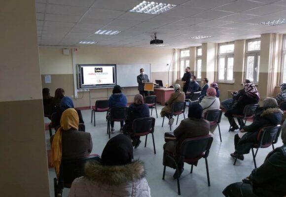 28 anneye 'Narkorehber' semineri verildi