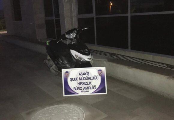 Motosiklet hırsızları yakayı ele verdi