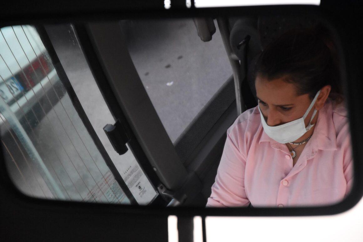 Kütahya'nın ilk kadın halk otobüsü şoförü oldu